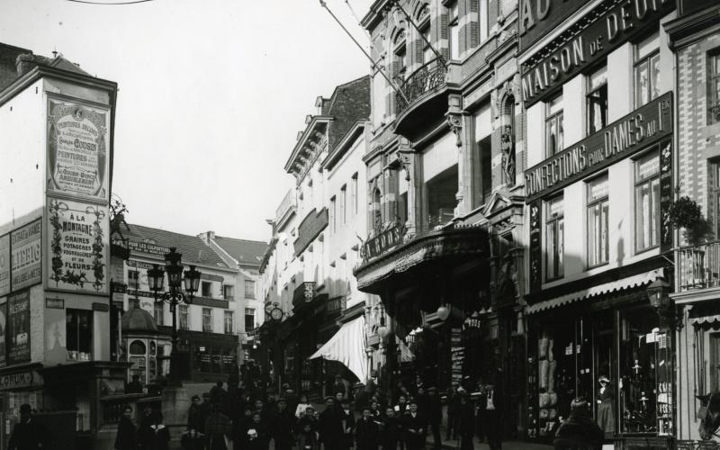 Anonyme, Sans titre, Charleroi, rue de la Montagne, ca 1900. Coll. Musée de la Photographie à Charleroi.